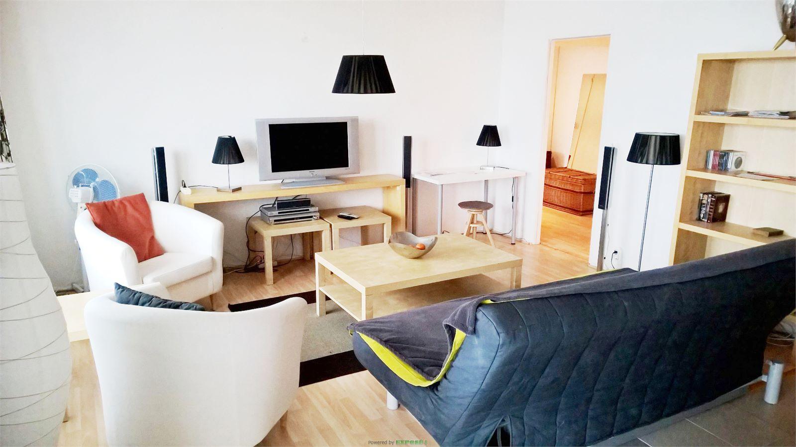 Möblierte, helle Wohnung mit Ausblick über Berlin Mitte