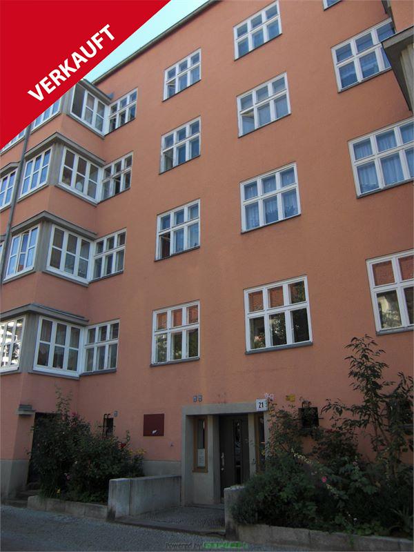 2,5-Zimmer-Apartment mit verglastem Balkon!