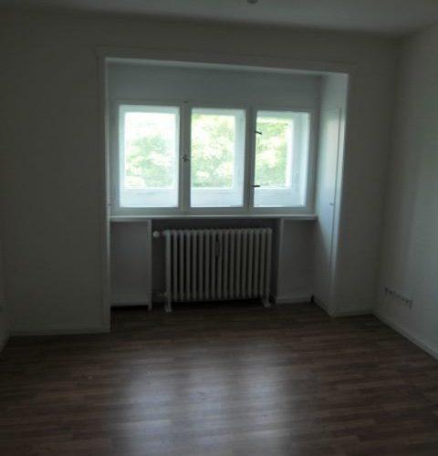 Badezimmer: 1 Wohnfläche: 30,81 M² Heizung: Zentralheizung Baujahr: 1930