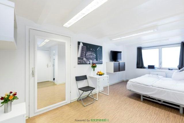 Ruhiges und zentrales Apartment in Lichtenberg mit Garten